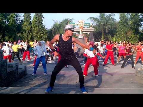 Sakitnya Tuh Disini By Arul Zain Lombok Ntb video