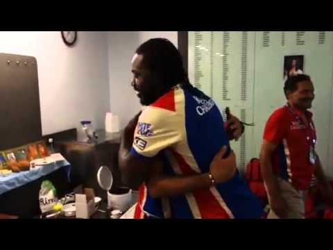Virat kohli, Chris gayle, Ab devillers fun after the match
