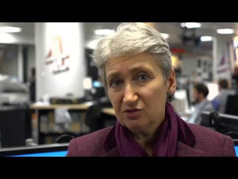 Crisis in South Sudan. Lindsey Hilsum explains - video