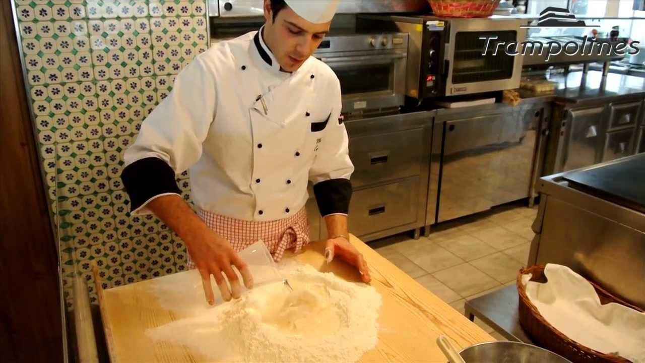 Ricetta piadina - Come preparare la Piadina Romagnola - YouTube