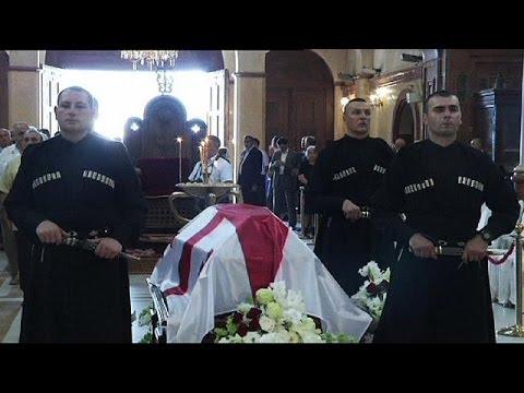 Eduard Shevardnadze enterrado en Tiflis