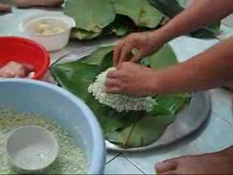 Bánh chưng - traditional Vietnamese Rice Cake in Lunar New Year ...