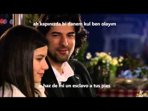 Fatmagül y Kerim cantando - Beren Saat Ve Engin Akyürek - Evlerinin Önü Mersin(Subt Español)