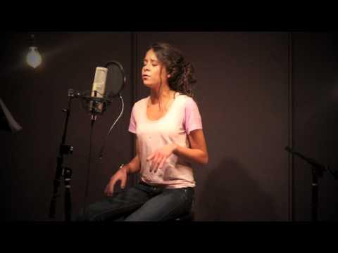 Cami Gallardo - Valerie - Amy Winehouse - Cover