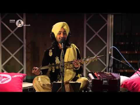 Satinder Sartaaj - Cheerey Waalea [live] video
