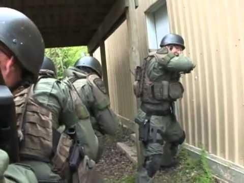 Forex police striker