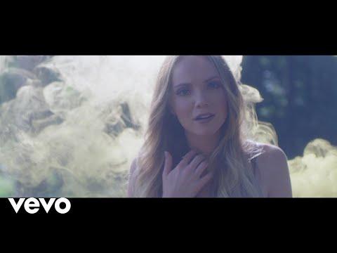 Danielle Bradbery - Hello Summer (Instant Grat Video)