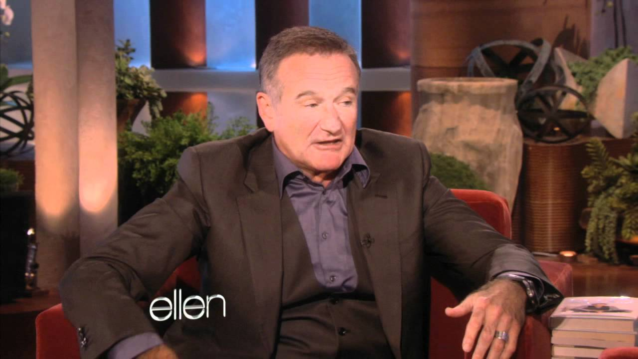 Robin Williams imitando a Siri en versión Francesa