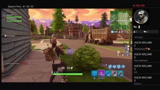 Playing official season five in Fornite !!