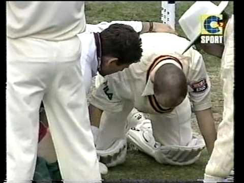 *brutal* Most Dangerous Ball In Any Cricket Match! 2001 02 Hobart video