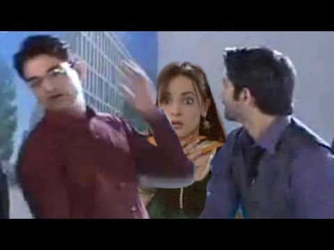 Arnav SLAPS WORKER for CALLING AN ITEM to Khushi in Iss Pyaar Ko Kya Naam Doon 30th July 2012
