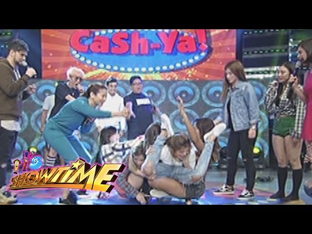It's Showtime: Team Nadine on a skateboard