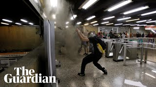 Chile: students ambush metro stations in mass fare-dodging protest over fare hikes