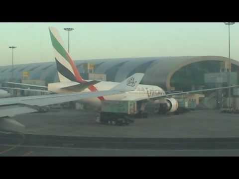Emirates Landing - Dubai Airport Terminal 3