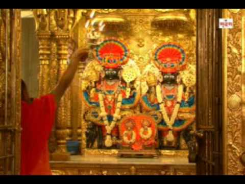 Aarti of Nara Narayana Dev at Swaminarayan Temple Ahmedabad -...