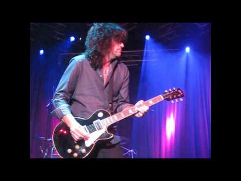 You Really Got Me - Tommy Thayer from KISS jams with Steel Panther