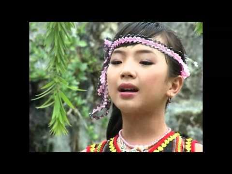 Thần đồng cổ nhạc 11 tuổi - Bé Quỳnh Như - Tiếng Chày Trên Sóc Bom Bo.mp4