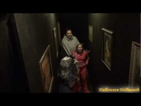 2011 Haunted House Drop Panel Hallway Scare Video (Hellmouth...
