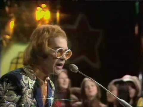 Elton John - Planes