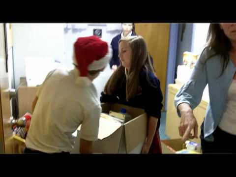 San Juan Del Rio Catholic School Christmas Dinner Delivery | St. Vincent's HealthCare