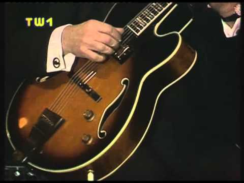 Joe Pass - 02 - Joes Blues