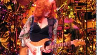 Watch Bonnie Raitt Tangled And Dark video