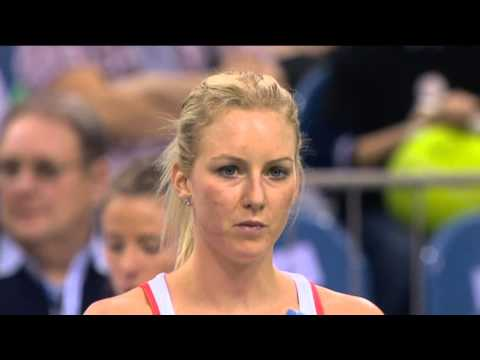 Highlights: Urszula Radwanska (POL) v Maria Sharapova (RUS)