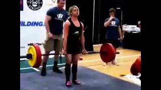 Female Powerlifter Vomits into Crowd 2016