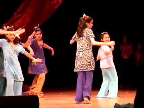 Chale Jaise Hawaien Dance video