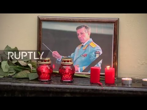 LIVE: Muscovites mourn Tu-154 crash victims at building of Alexandrov Ensemble