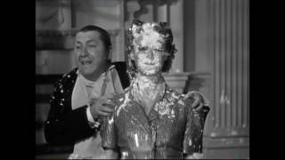 The Three Stooges - Three Sappy People - Pastry Fight