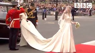 Kate Middleton's STUNNING wedding dress | The Royal Wedding - BBC