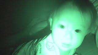 赤ちゃんの赤外線ナイトショットがちょっと怖い・寝相が悪い赤ちゃん - Baby Vlog