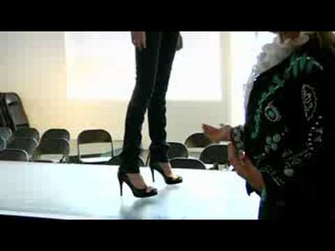 How to Model : Runway Modeling Tips: Walking the Runway