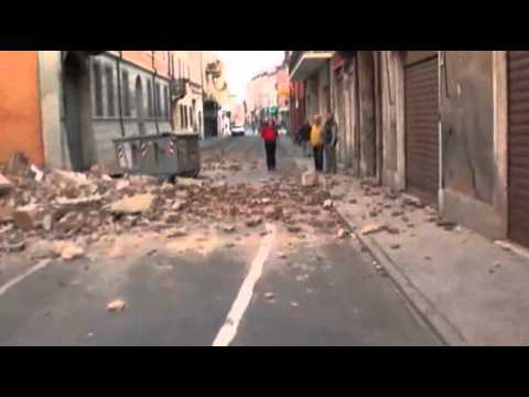 Raw Video: Powerful Quake in Northern Italy