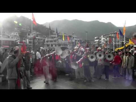 Shivratri Jaleb ( Carnival ) In Mandi , Pahari Songs And Music Instruments ,  Himachal Tourism video