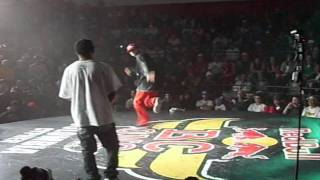 Red Bull BC One Colombia Cypher 2011 - Bboy Ab3 Vs Bboy Pilot.