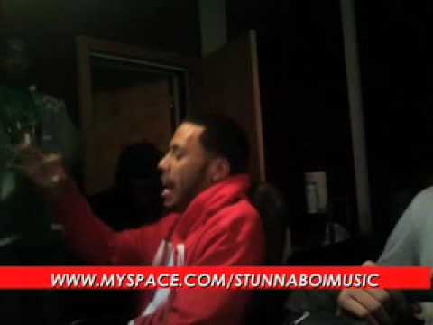 STUNNA BOI PREVIEWS SONG @ THE STUDIO