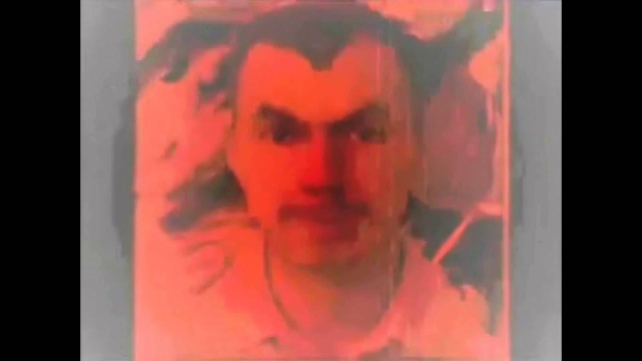 Ролик убийца где мужик улыбается 2 фотография