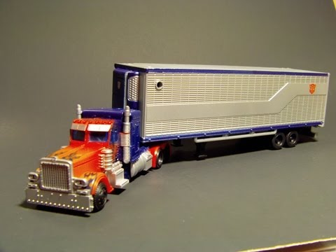 TRANSFORMERS 3 DOTM MOVIE TRILOGY OPTIMUS PRIME w/ MECH TECH ARMORY TRAILER REVIEW