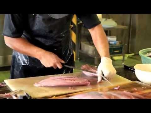 Amazing Cutting Fish in Japan - CANON EOS 5D Mark II Short Film