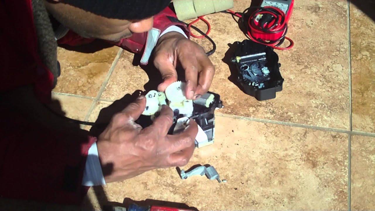 Mercedes Trunk Actuator Lock Repair Youtube