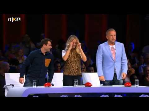 Het is altijd lachen met Saskia! - HOLLAND'S GOT TALENT