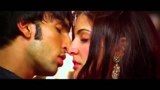 Anushka Sharma Kiss In Band Baaja Baraat