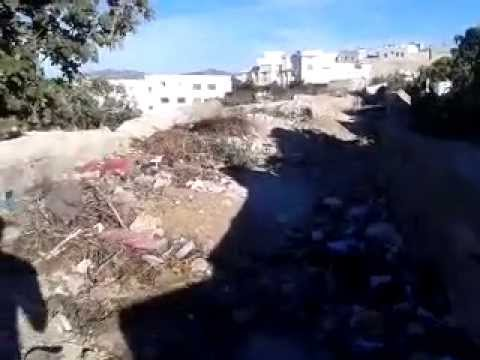 الطريق الرابطة بين باب السفلي والمقبرة الإسلامية بتطوان تتحول إلي مطرح للنفايات والأزبال