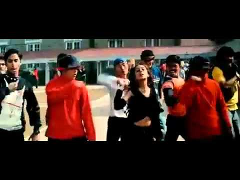 YouTube - Chale Jaise Hawaien-Main Hoon Na _HD_starrrrr