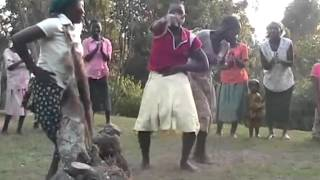 Bakiga Dance. Bushara Island of Bunyonyi lake. Танцы Бакига. Озеро Буниони. Уганда.