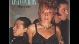 Watch Vaya Con Dios Sally video