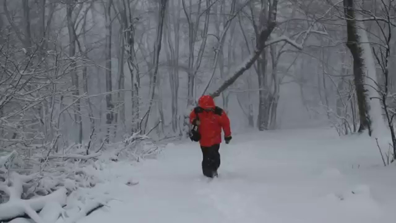 Járhatatlan utak az eső miatt, sok helyen szakad a hó