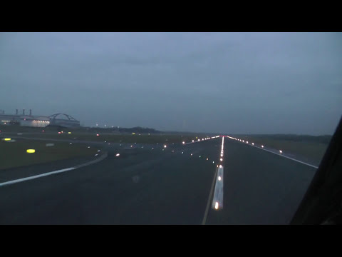 Amazing Cockpit Take-Off - Boeing 737
